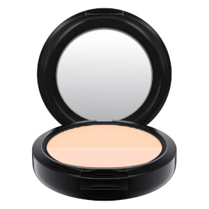 MAC Studio Waterweight Pressed Powder (Ulike fargetoner)