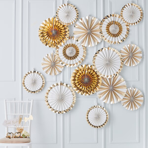 Ginger Ray Fan Backdrop Decorations