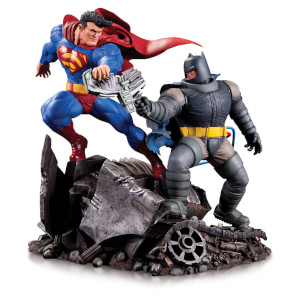 Mini statuette affrontement Batman contre Superman – DC Comics