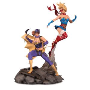 Statuetta celebrativa di Batgirl & Supergirl, DC Bombshells