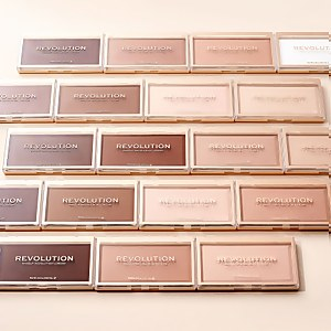 Makeup Revolution Matte Base Powder (Various Shades)