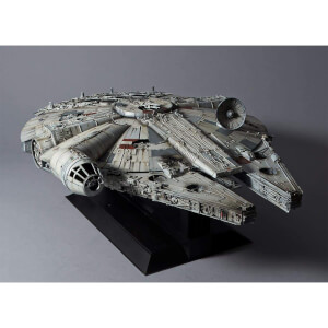 "Revell Star Wars Millennium Falcon ""Perfect Grade"" Model (Scale 1:72)"