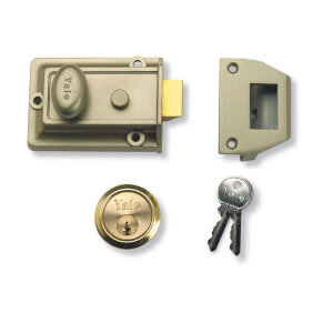 Yale 77 Traditional Nightlatch 60mm - Green