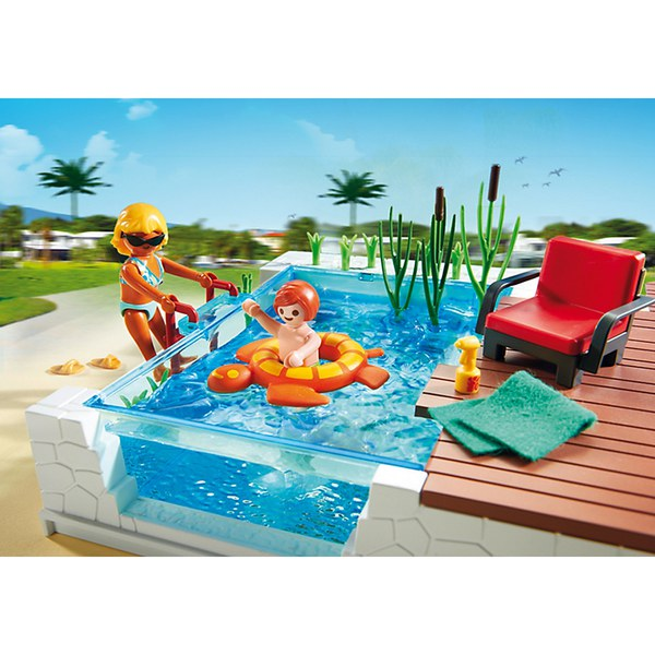 Playmobil swimming pool with terrace 5575 toys zavvi for Piscine playmobil