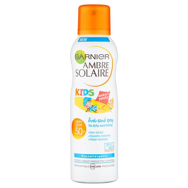 Protector solar en sprayAmbre Solaire Kids Anti-Sand Spray SPF 50 de Garnier (200 ml)