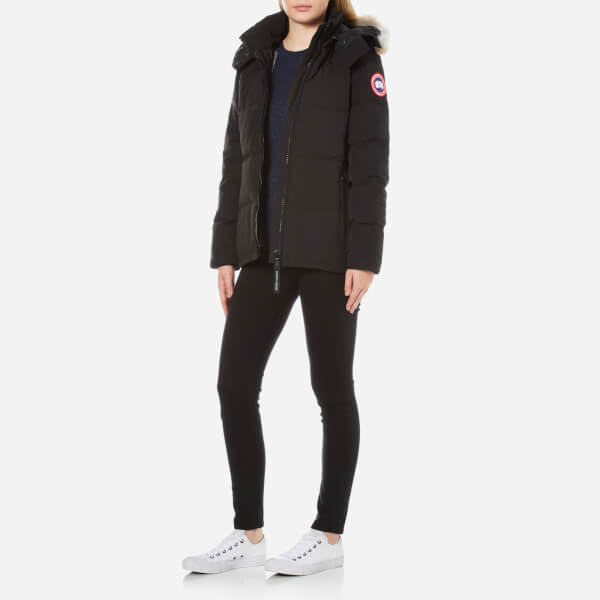 Canada Goose Women s Chelsea Parka - Black - Free UK Delivery over £50 b47d63e8cda3