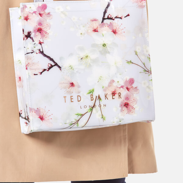e8036005b34 Ted Baker Women's Sericon Oriental Blossom Small Icon Bag - Light Grey:  Image 2