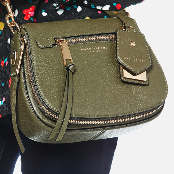 Marc Jacobs Women S Recruit Small Nomad Saddle Bag Army Green Image 3