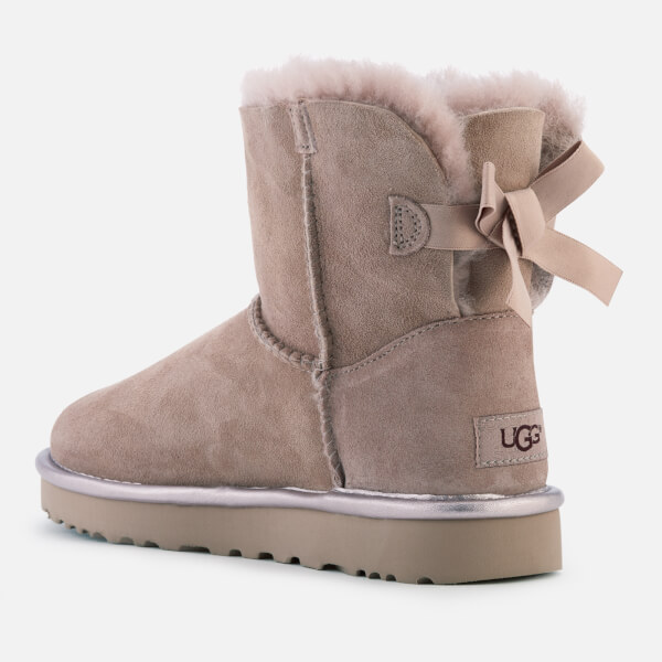 cec2e113949 get ugg bailey bow ii review a6502 e58a4