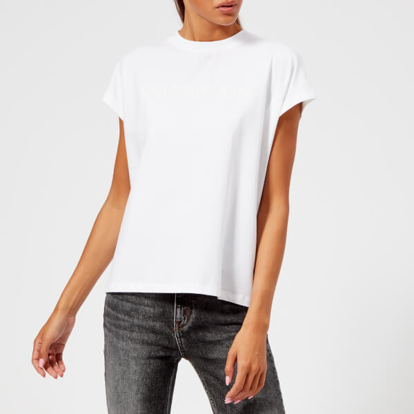 Calvin Klein Jeans Women s Institutional Vinyl Logo Muscle T-Shirt - Bright  White 53d06ffbf16b