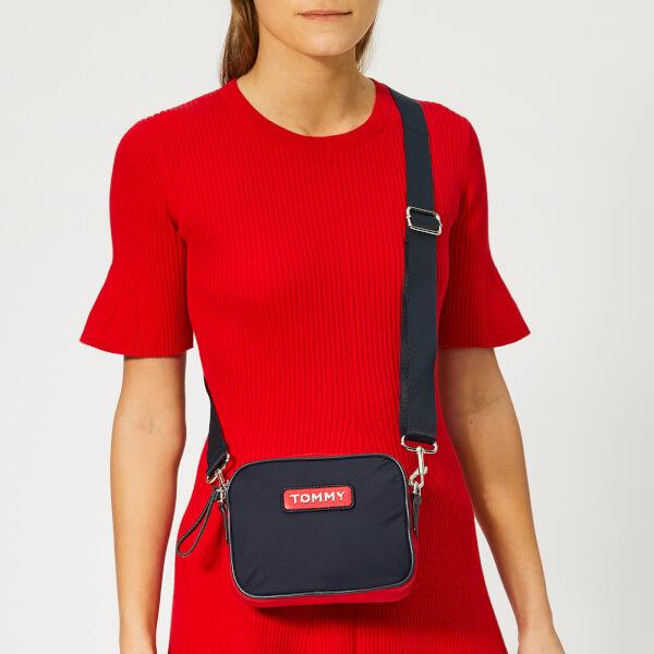 9127be390 Tommy Hilfiger Women's Varsity Nylon Crossover Bag - Corporate: Image 3