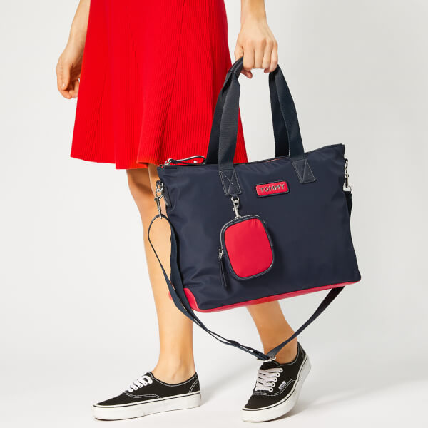 077a3f159 Tommy Hilfiger Women's Varsity Nylon Tote Bag - Corporate: Image 3