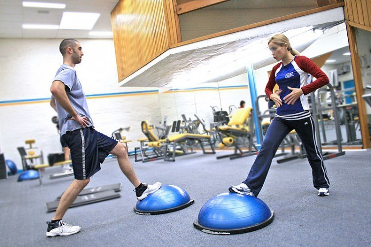 What are Some Tips for Choosing a Personal Trainer?