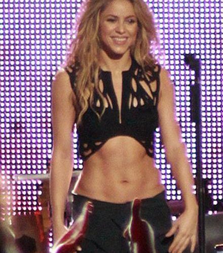 4 Tips to Getting Abs Like Shakira