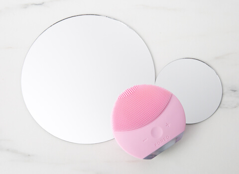 Save 22% on Foreo Luna Mini