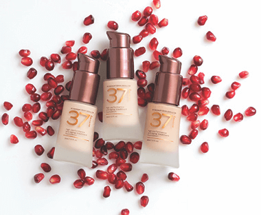 High Performance Anti-Aging Treatment Foundation.