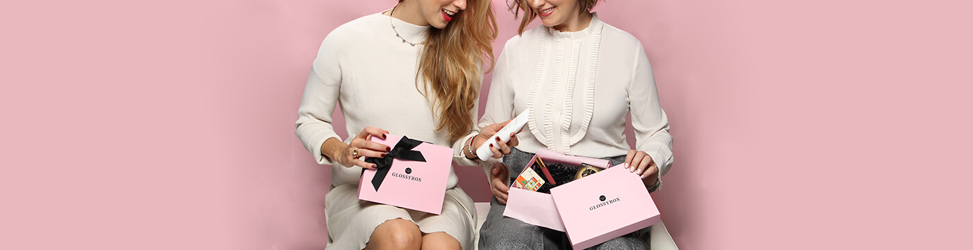 referr a friend two girls with glossybox smiling