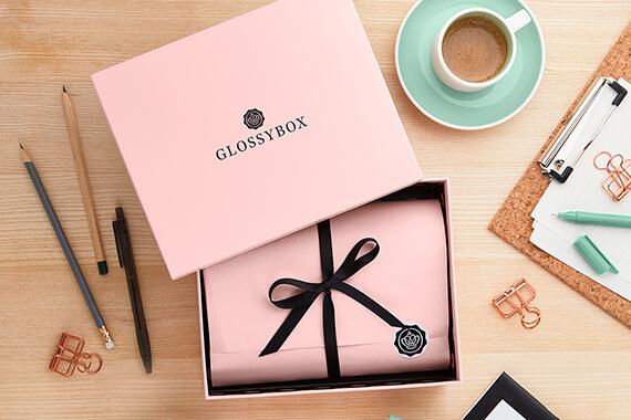 GLOSSYBOX im März beautyholic Edition