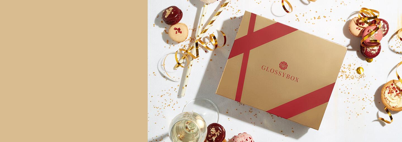 Vuoden kimaltavin aika on vihdoin täällä ✨🎁<BR> – tämän kuukauden erikoiskuvitettu GLOSSYBOX auttaa sinua loihtimaan upean juhlalookin kaikkiin kauden juhlatilaisuuksiin. Boksin arvo yli 60 €!