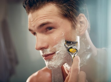 Get a free shaving gel with selected blade packs! Subject to availability.