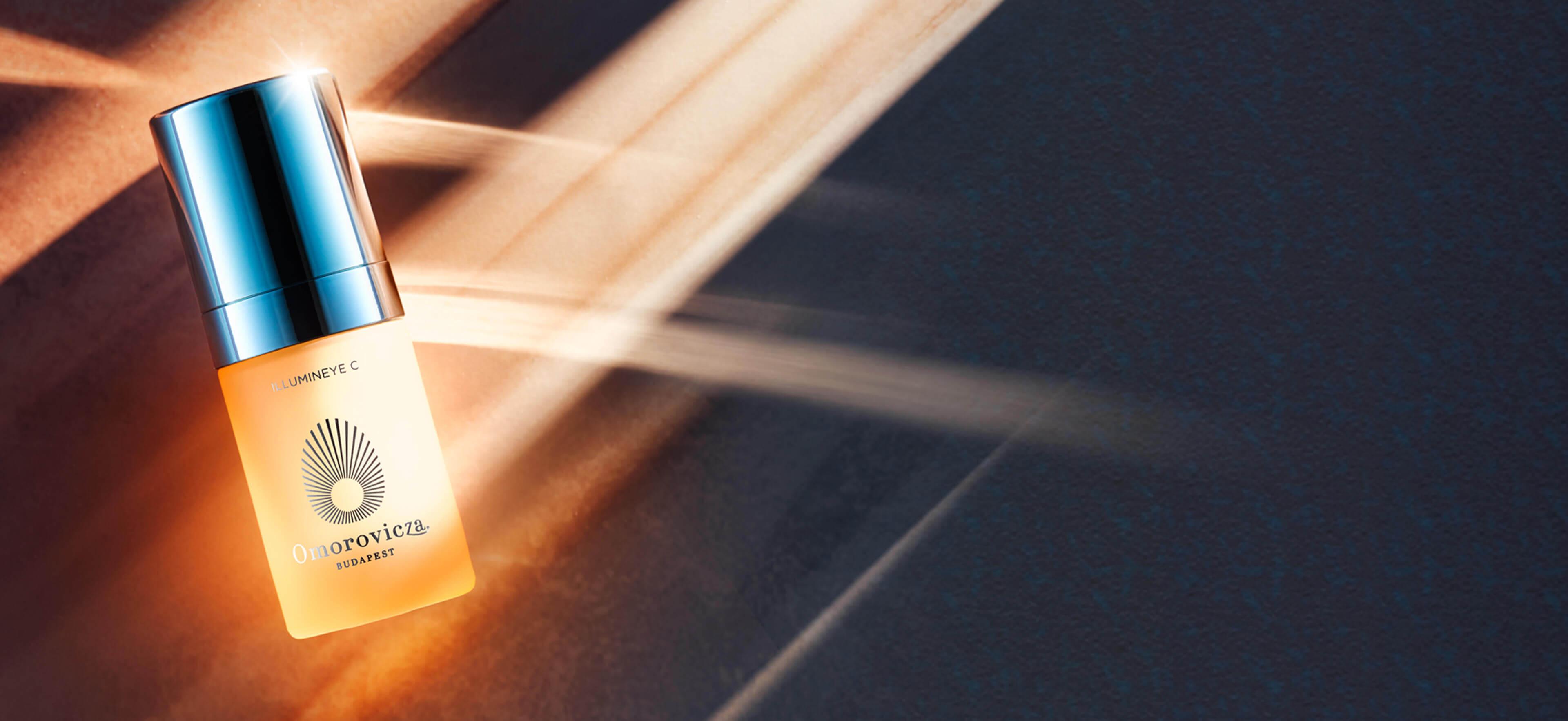 Illumineye C auf Goldhintergrund