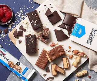 PROTEIN BARS & <br>COOKIES