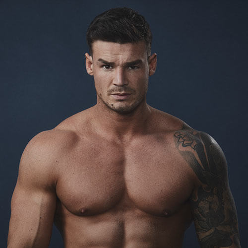 bodybuilder myles leask with muscles