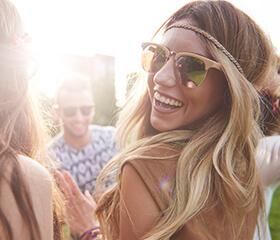 Grow Gorgeous model på festival