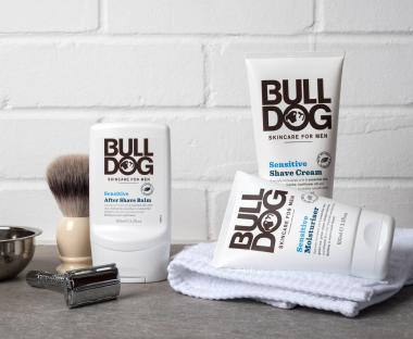 Bulldog sensitive produkter og skraber
