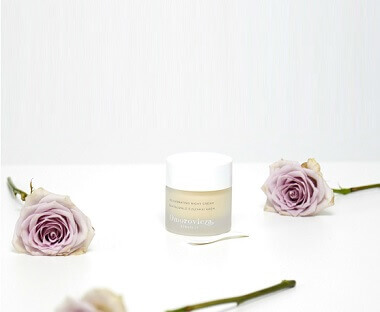 AN EVENING SKINCARE ROUTINE WITH OMOROVICZA